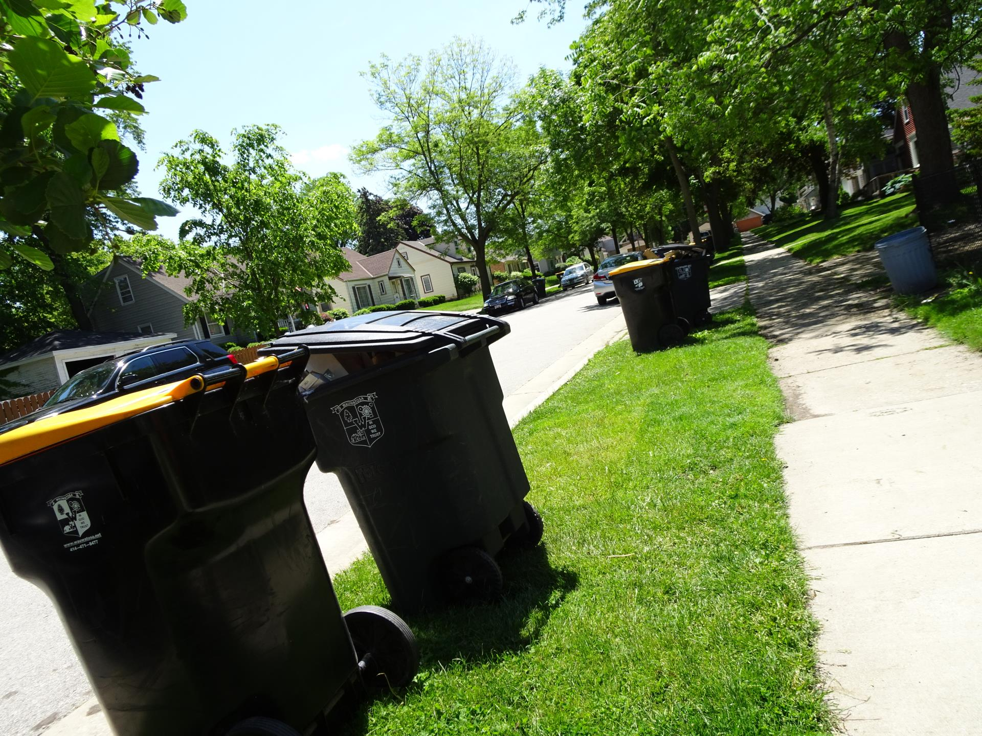 Garbage, Recycling, & Yard Waste Carts | Wauwatosa, WI