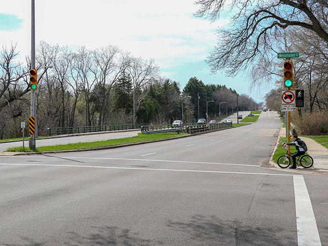 West Burleigh Street Bridge over the Menomonee River